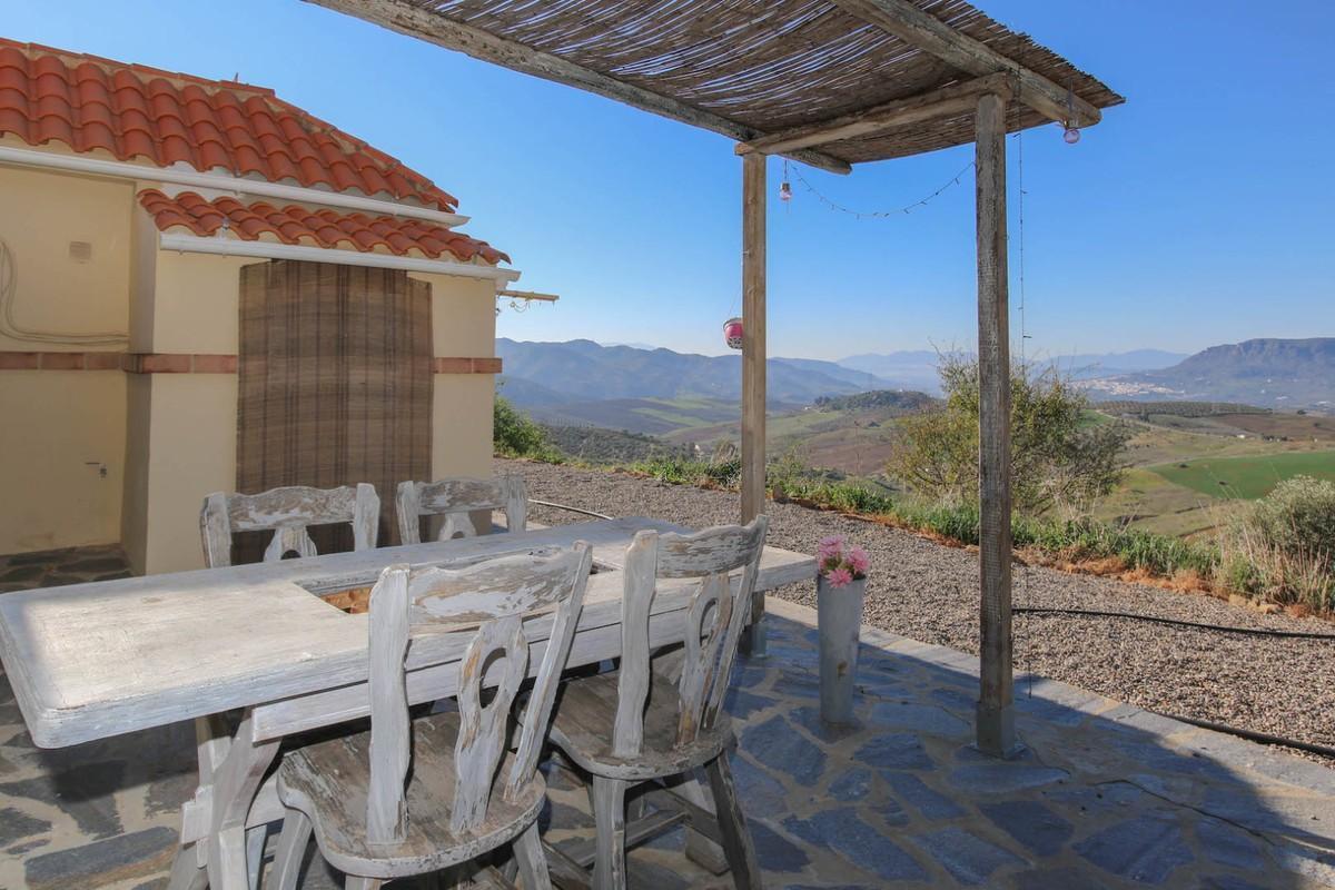 House in Alora R3366883 38