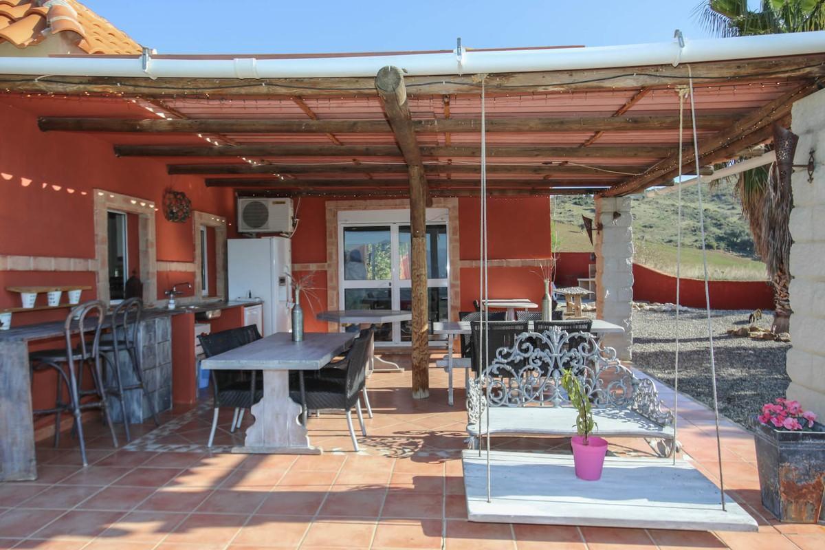 House in Alora R3366883 4