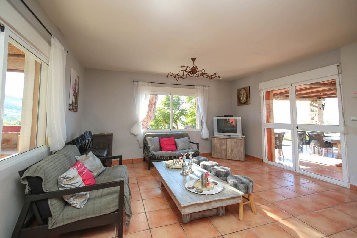 House in Alora R3366883 6