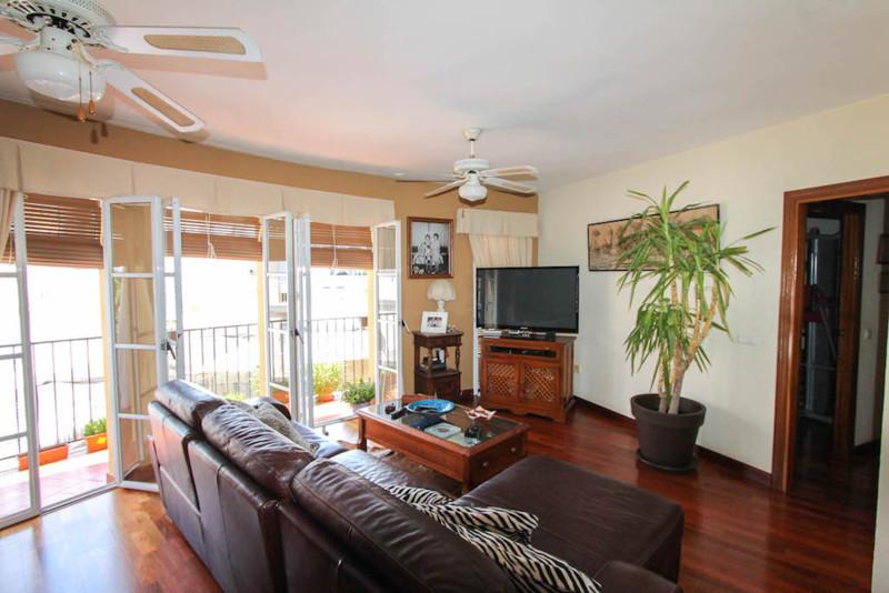R2498405: Apartment for sale in Alhaurín el Grande