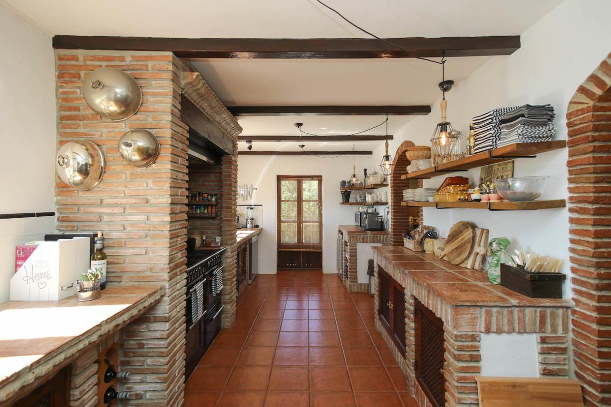 Commercial in Casarabonela