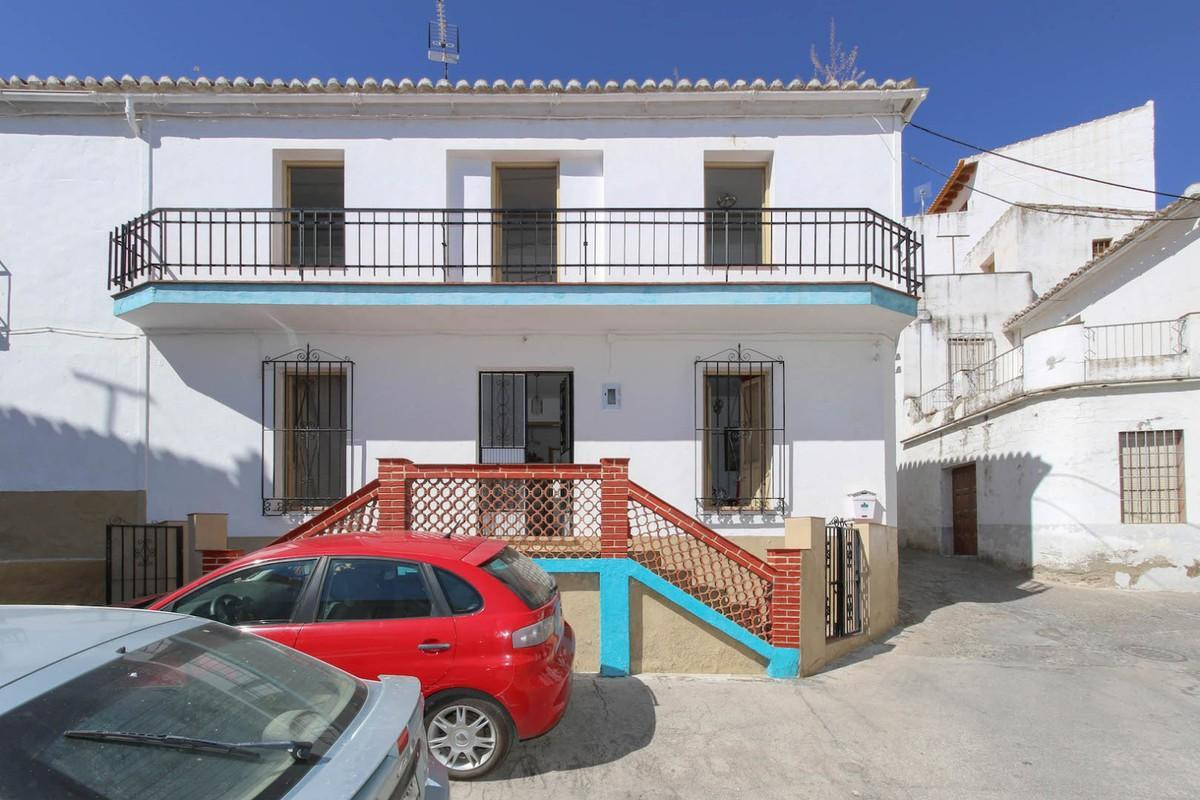 5 bedroom townhouse for sale guaro