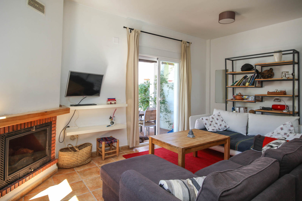 3 Dormitorio Pareada Villa En Venta Tolox
