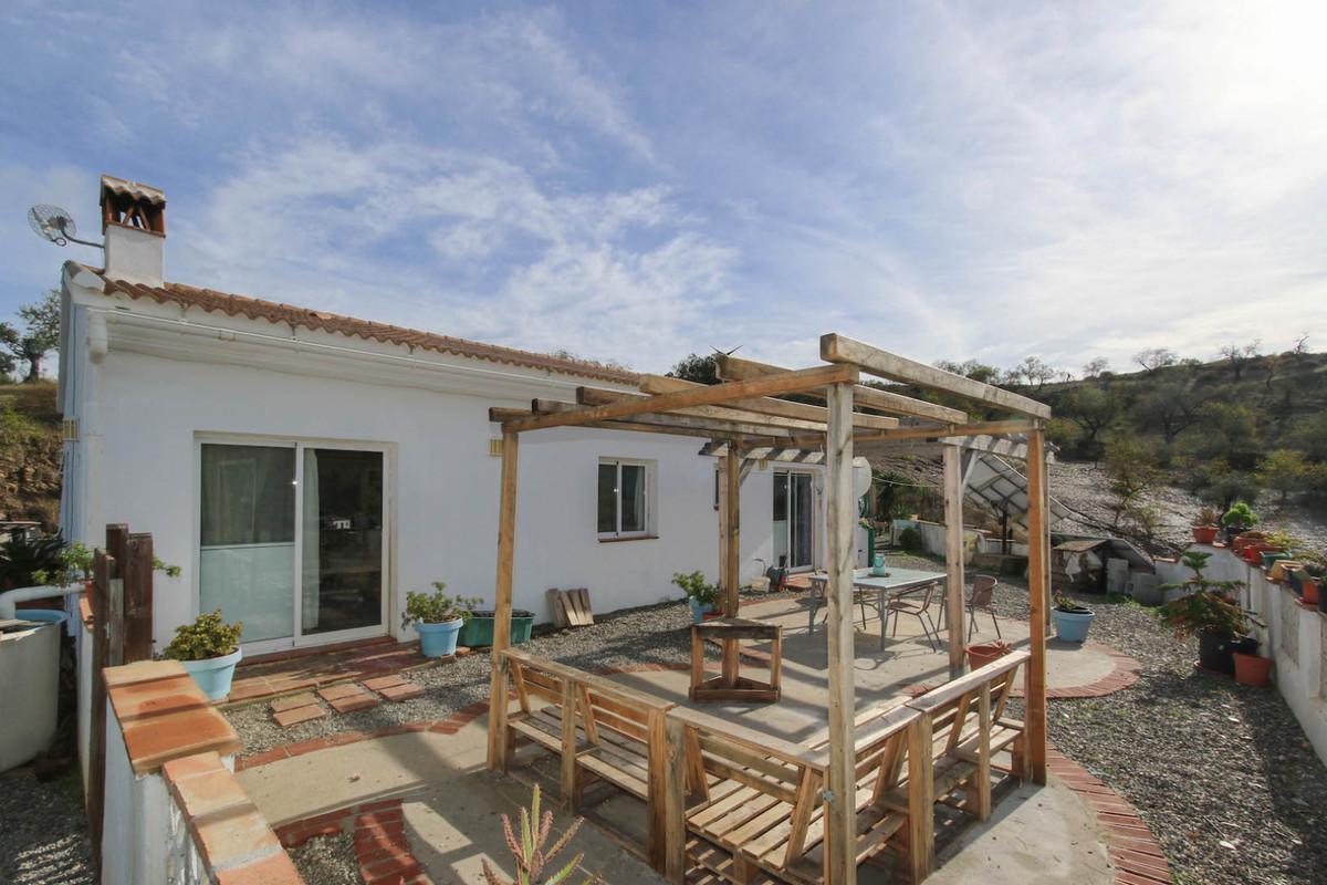 3 bedroom villa for sale tolox