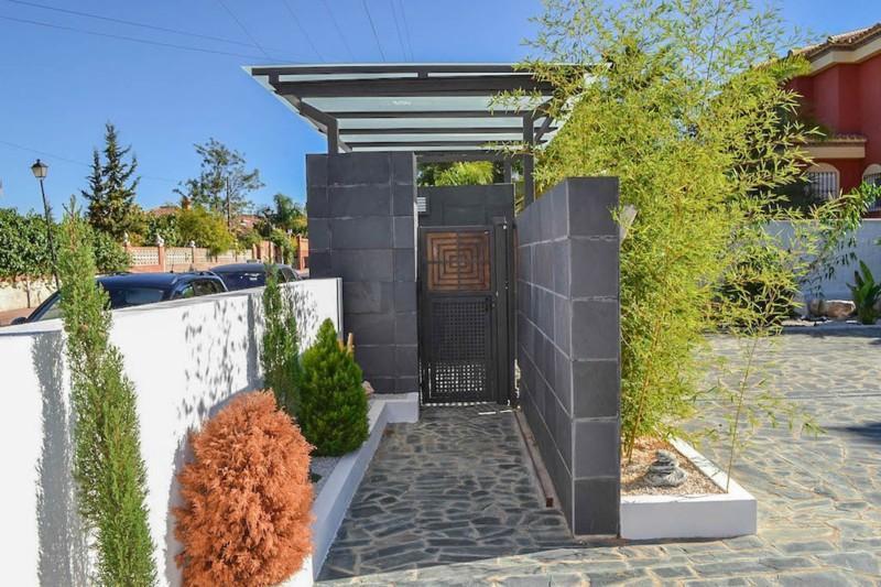 House in Alhaurín de la Torre R2487989 9
