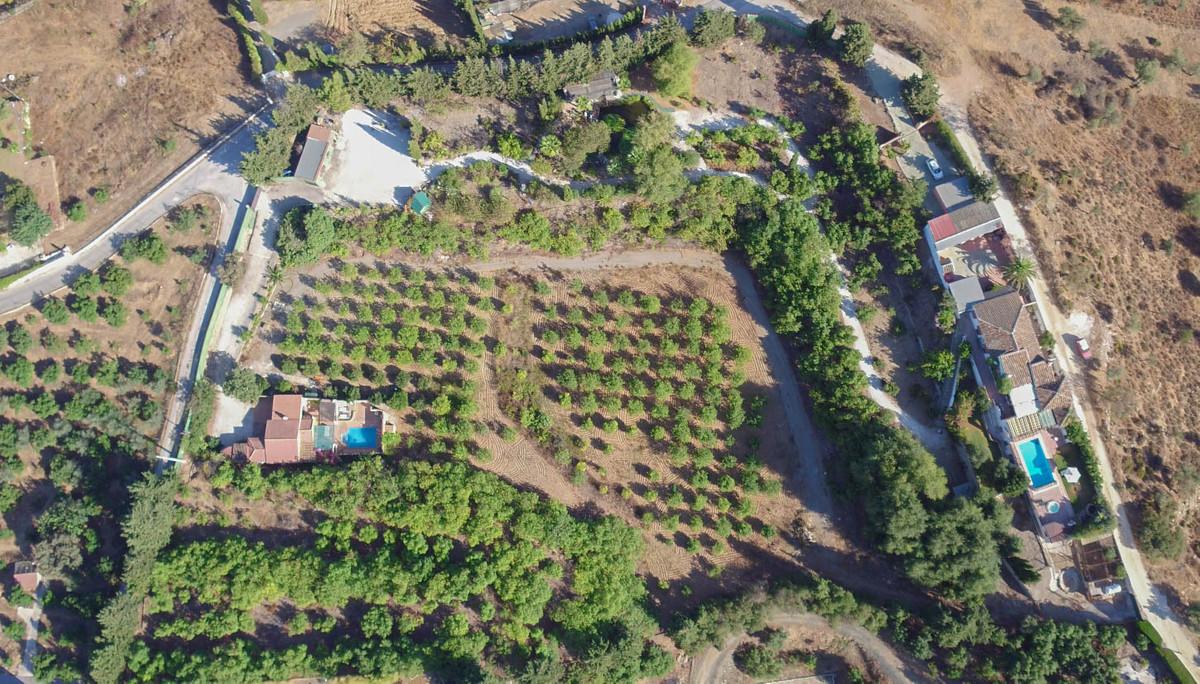 Detached Villa in Coín R2976617