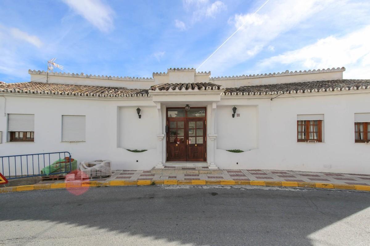 Hotel for sale in Casarabonela R3329539