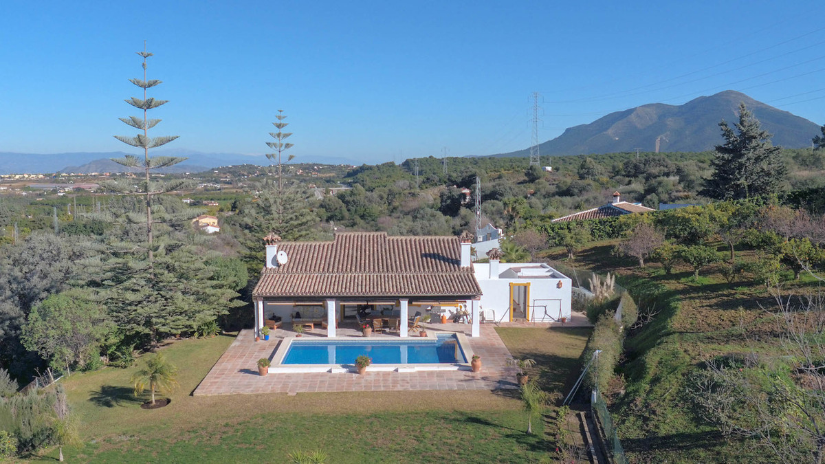Detached Villa in Coín R3336001