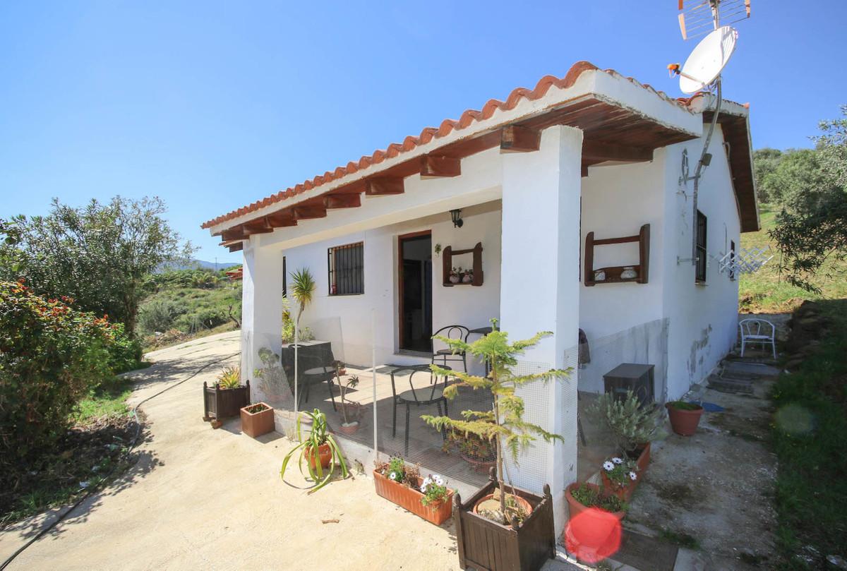 Villa 2 Dormitorios en Venta Tolox