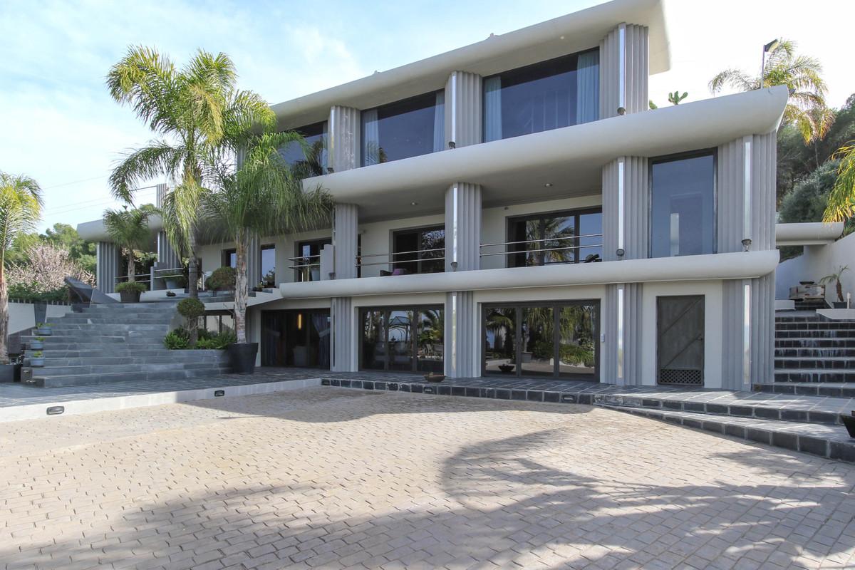 House in Alhaurín el Grande R2306774 1