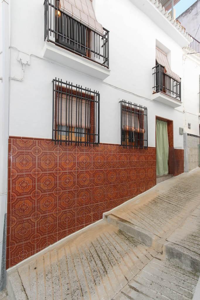 Unifamiliar Adosada 3 Dormitorio(s) en Venta Tolox