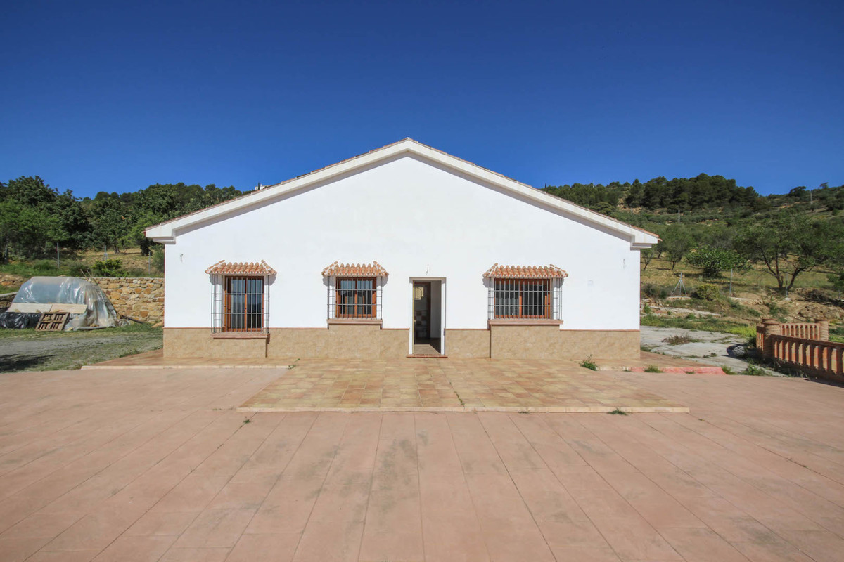 View that are ´WOW´  This two bedroom villa on the outskirts of Casarabonela has the most fantastic ,Spain