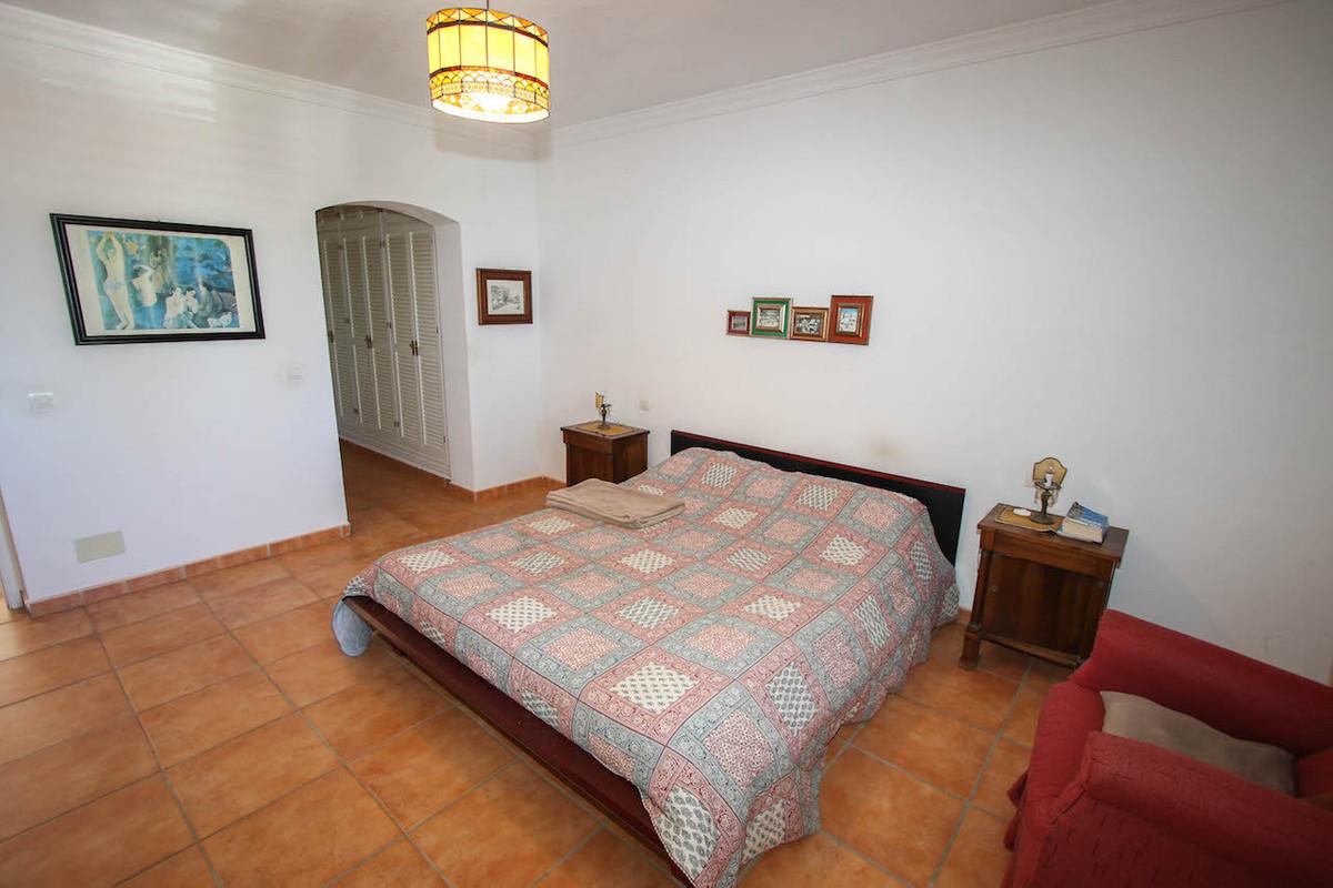 House in Alhaurín de la Torre R2628890 18