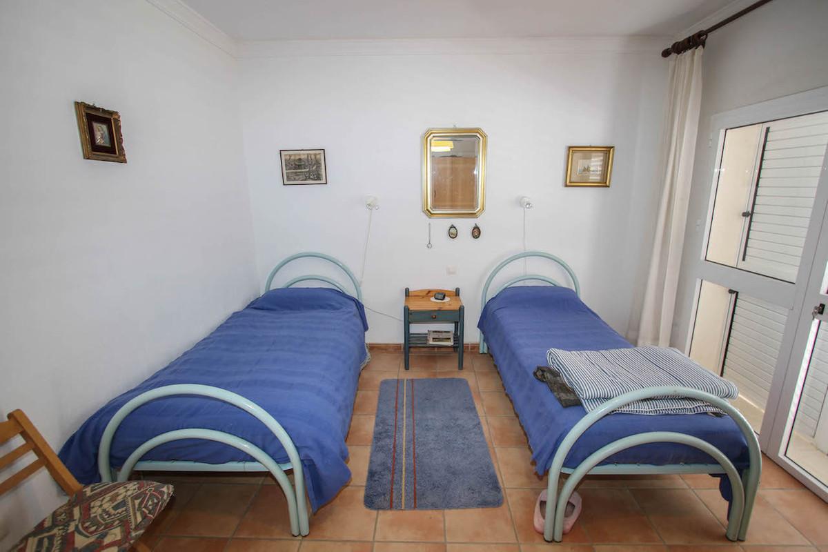 House in Alhaurín de la Torre R2628890 25