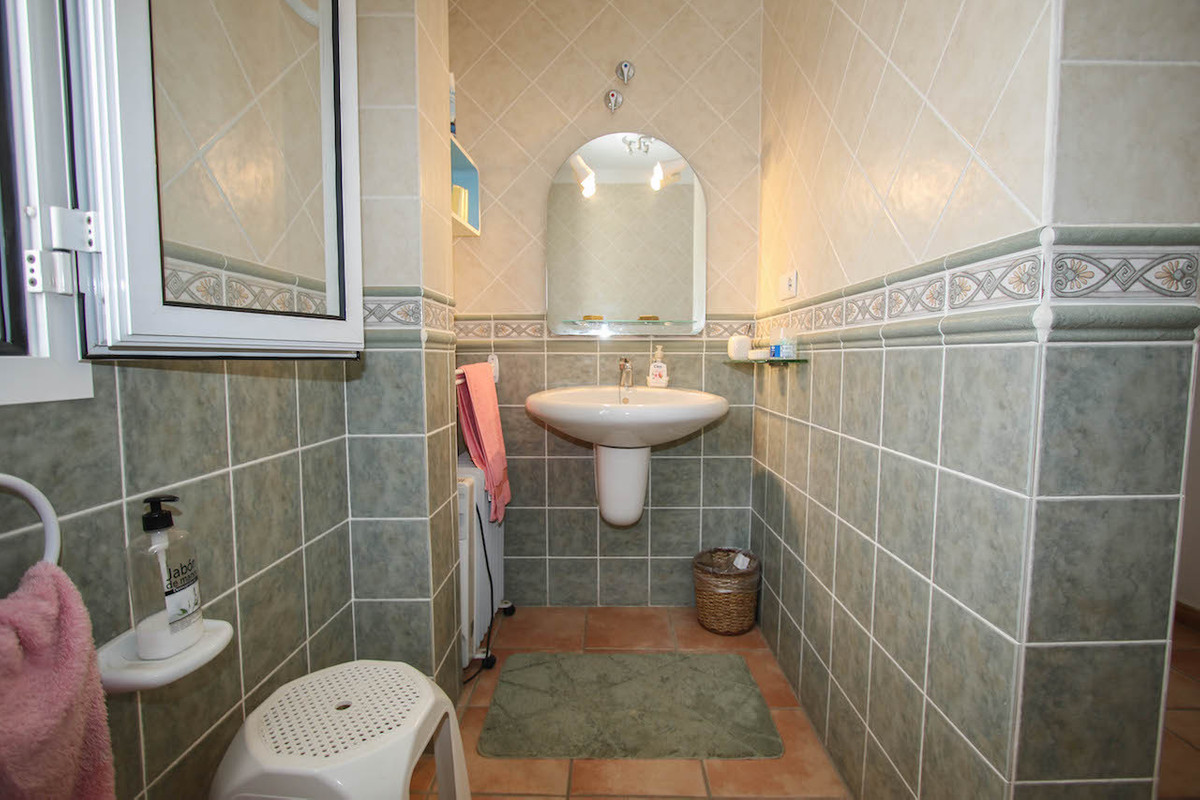 House in Alhaurín de la Torre R2628890 26