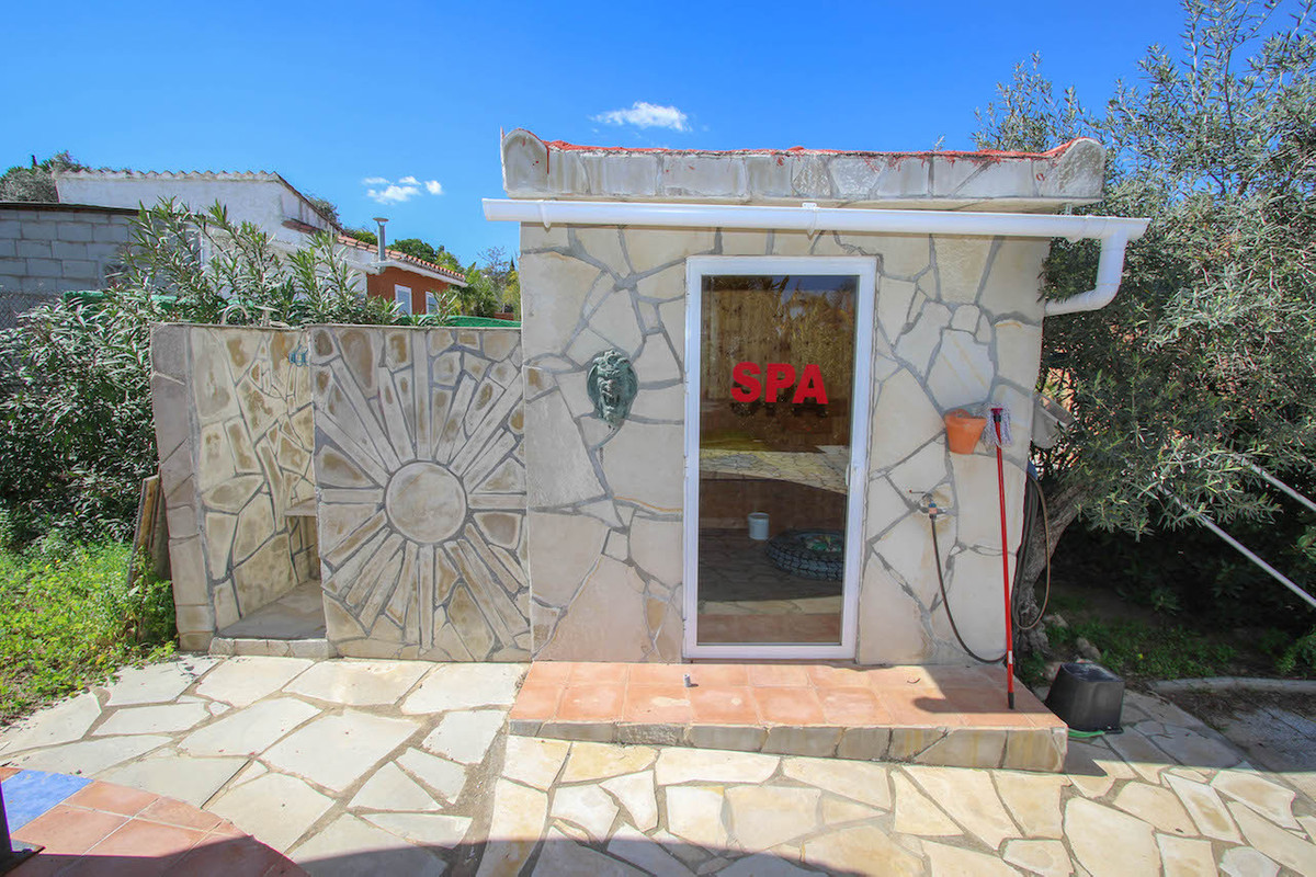 House in Alhaurín de la Torre R2628890 41