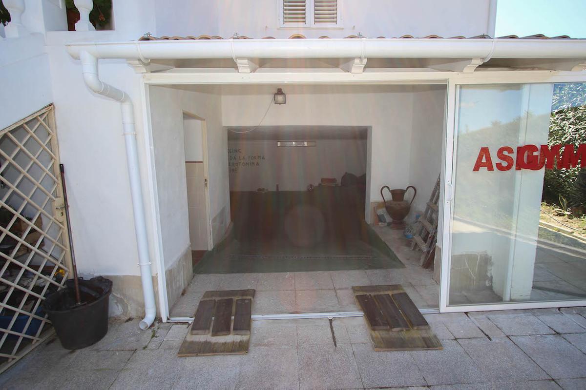 House in Alhaurín de la Torre R2628890 46