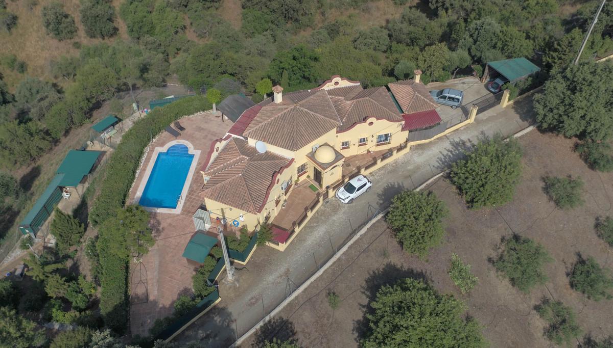 House in Alhaurín el Grande R3320935 3