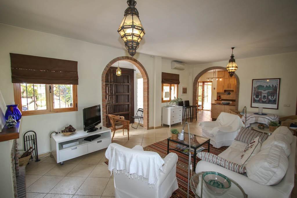House in Alora R2713829 9