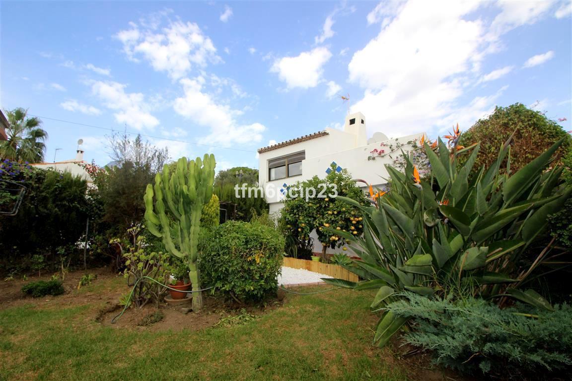 Villa, Individuelle  en vente    à Casares Playa