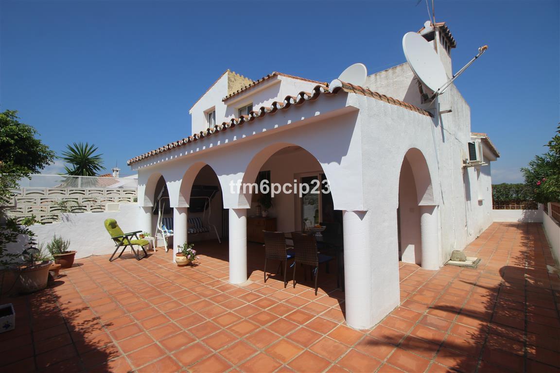 Villa, Semi Detached  for sale    en Manilva