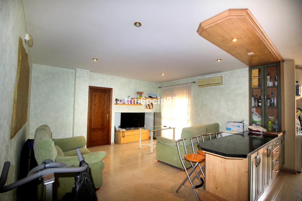 Middle Floor Apartment in San Luis de Sabinillas R3329245