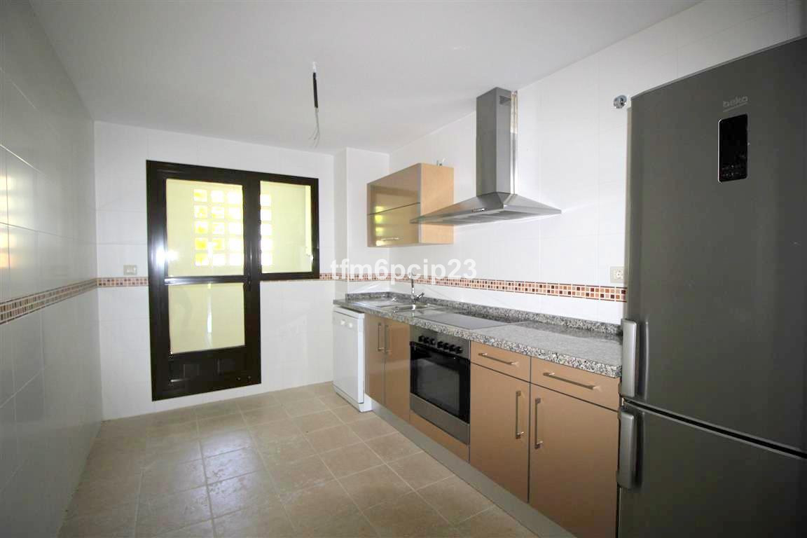 R2785412: Apartment for sale in San Roque