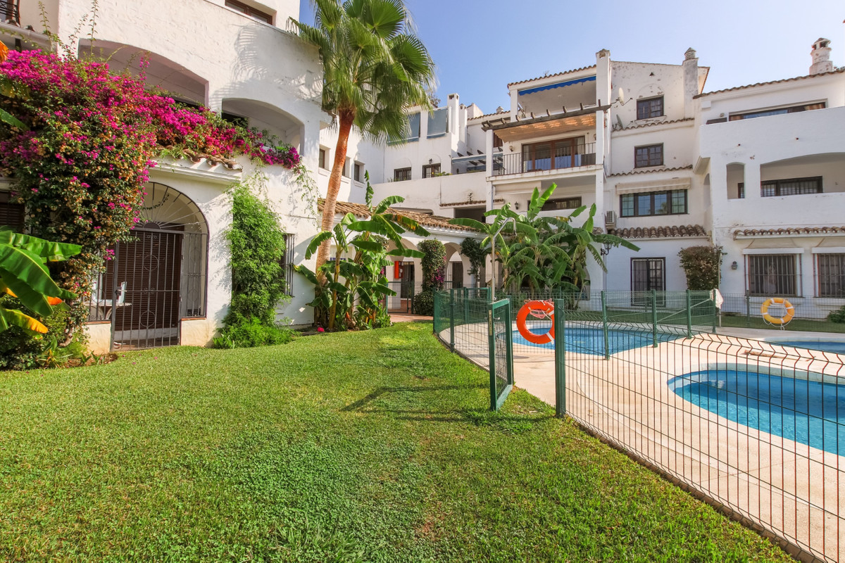 TWO LEVEL SEMI-DETACHED, 4 BEDROOMS IN PUERTO BANUS.  Cozy and spacious semi-detached house with its,Spain