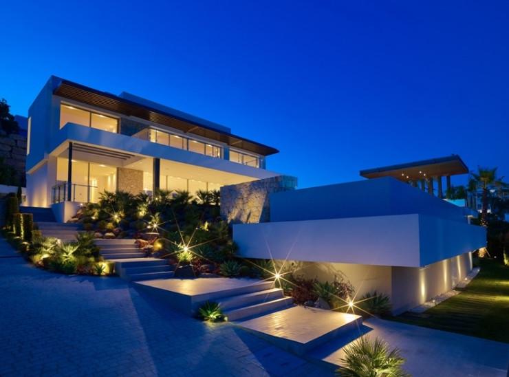 Detached Villa for sale in Benahavís R3661097