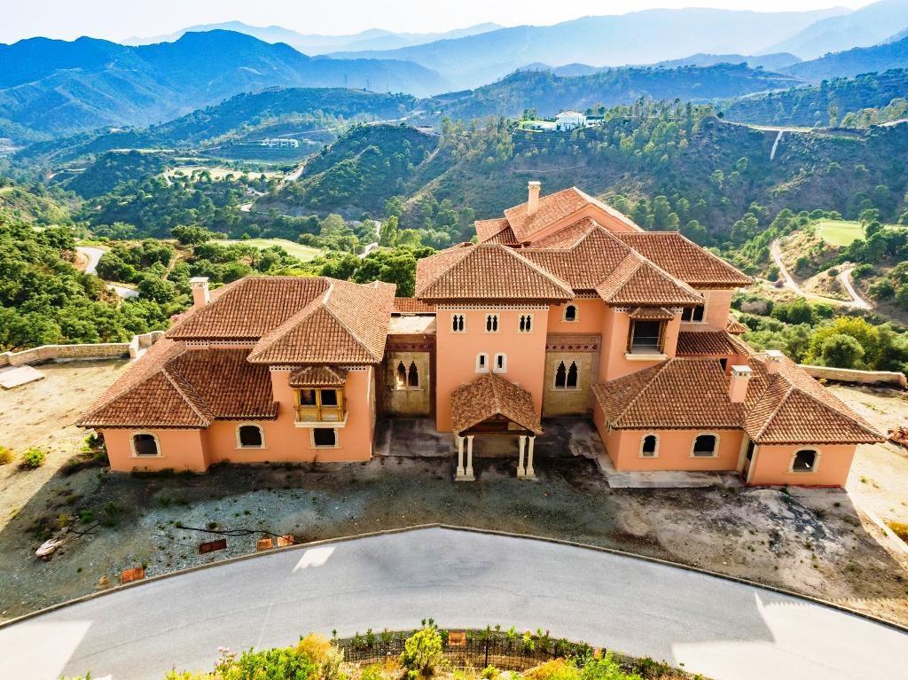 Detached Villa for sale in Benahavís R88624