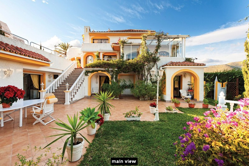 Detached Villa for sale in Marbella R2353139