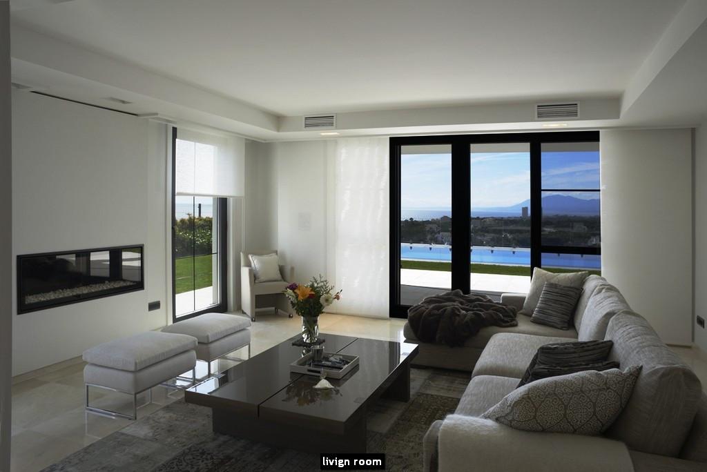 READY BUILT SEMI CONTEMPOARY VILLA FRONTLINE GOLF! Fantastic villa in Marbella East on a 1.100 m2 pl,Spain