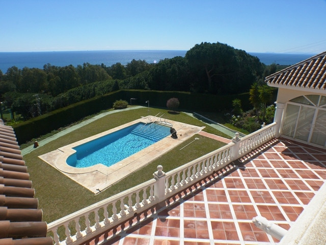 Freistehende Villa in Calahonda R3147013