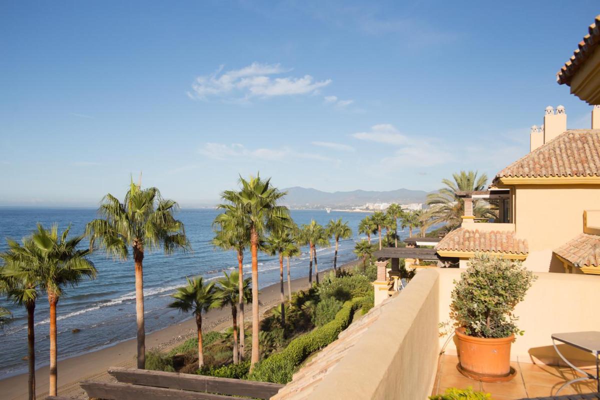 Spectaculair Frontline Beach Penthouse Appartement met 4 Slaapkamers en Vier Badkamers in Rio Real P,Spain
