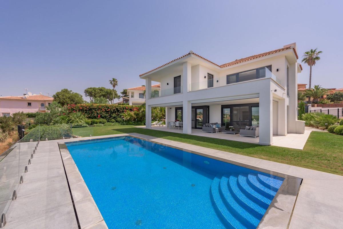 Detached Villa for sale in Artola R2781278