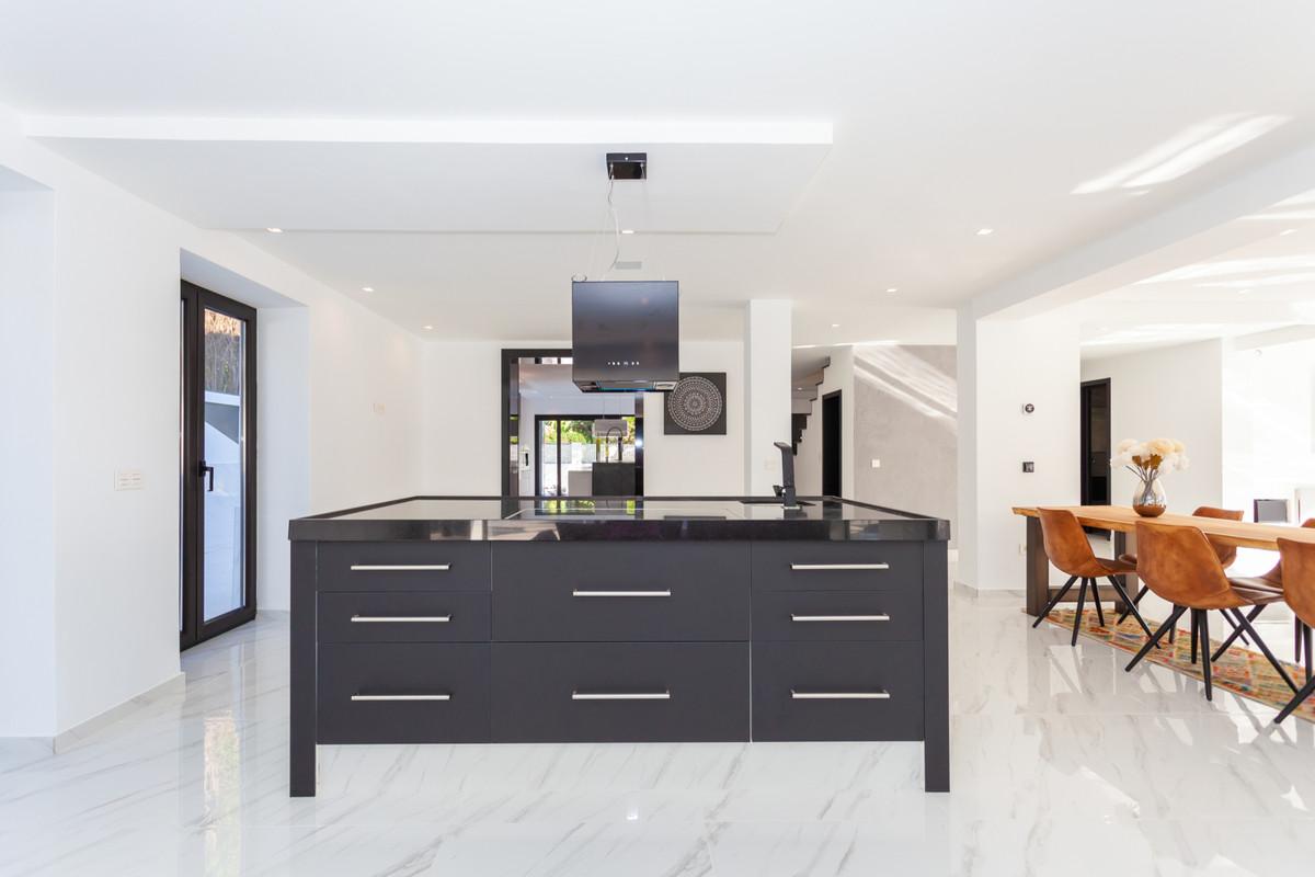 5 Bedroom Detached Villa For Sale Los Monteros