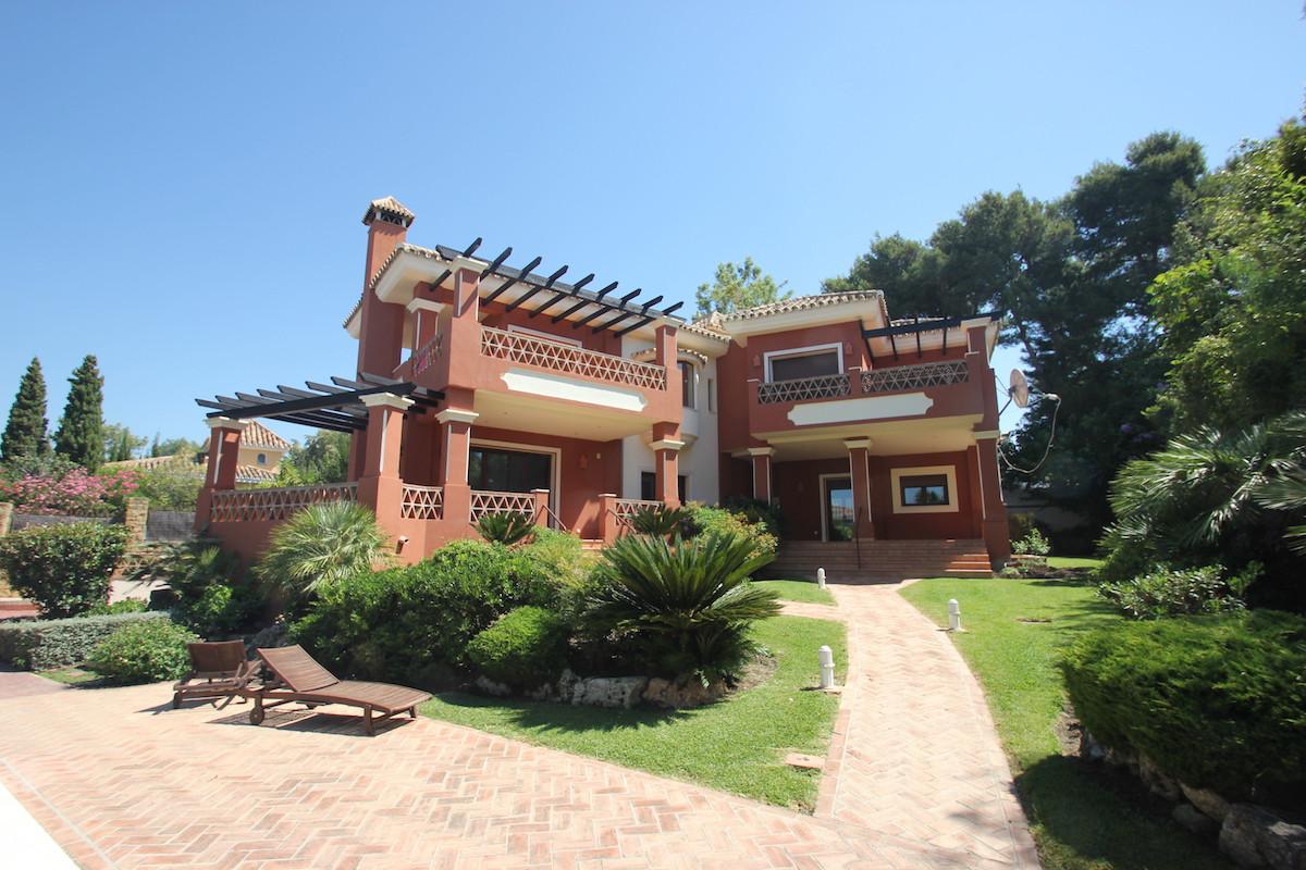 4 Bedroom 3 Bathroom villa, situated in the beautiful urbanisation Hacienda Las Chapas, south facing,Spain