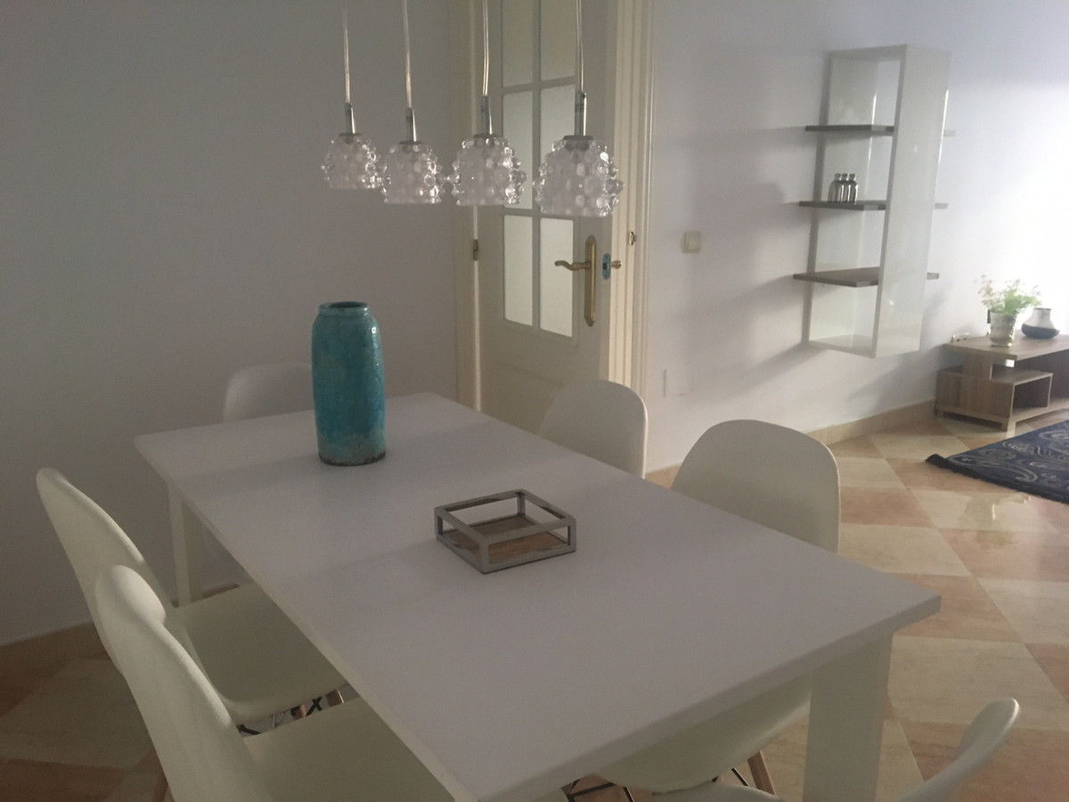 Apartamento Planta Media en San Luis de Sabinillas, Costa del Sol