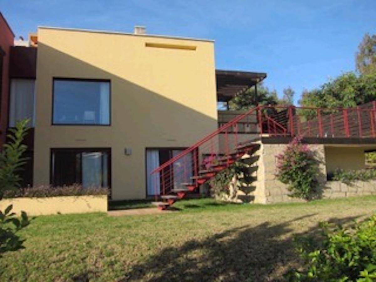 Detached Villa, Benahavis, Costa del Sol. 4 Bedrooms, 4 Bathrooms, Built 201 m², Terrace 99 m².  Set,Spain