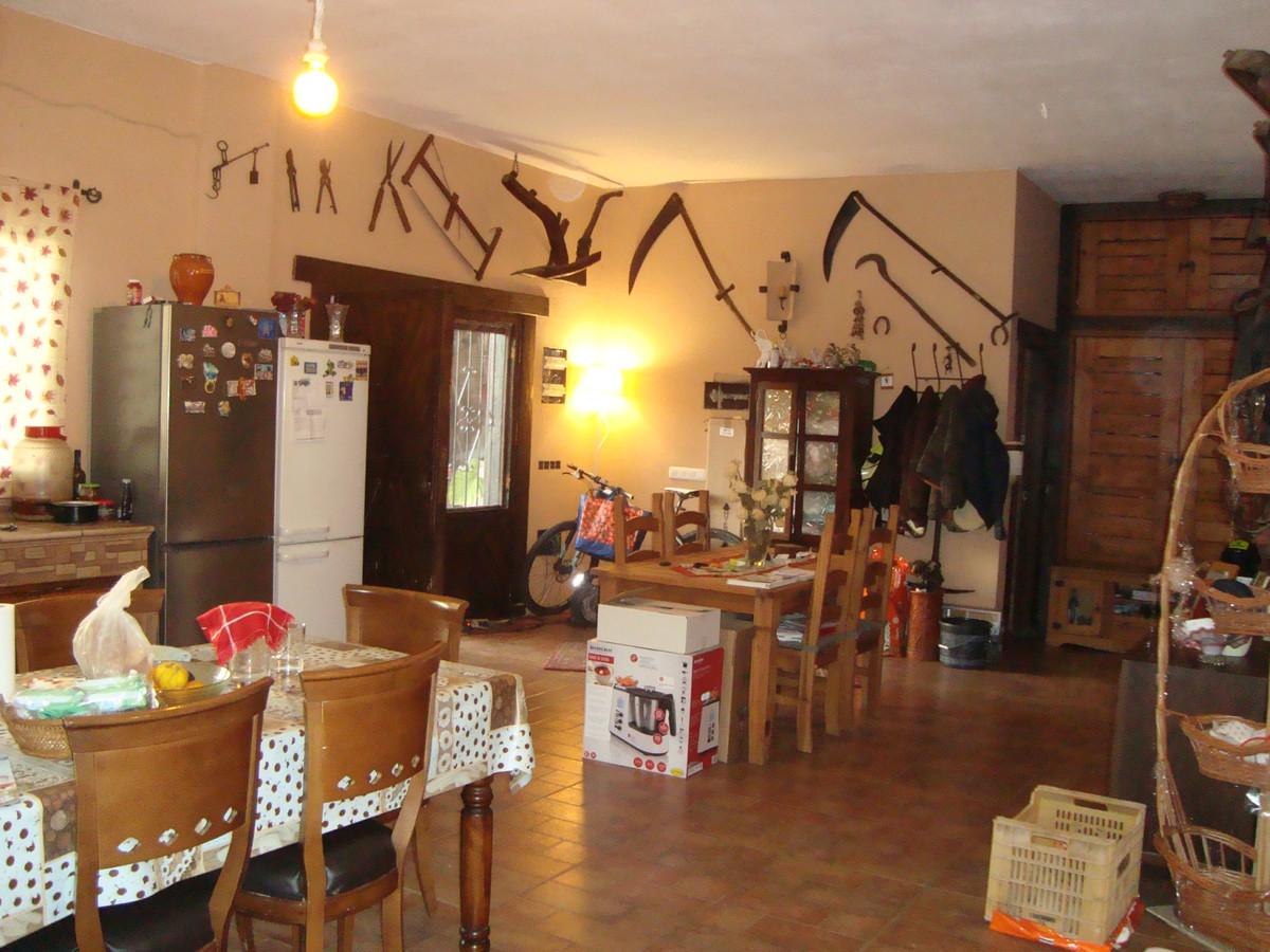 Villa con 2 Dormitorios en Venta Manilva