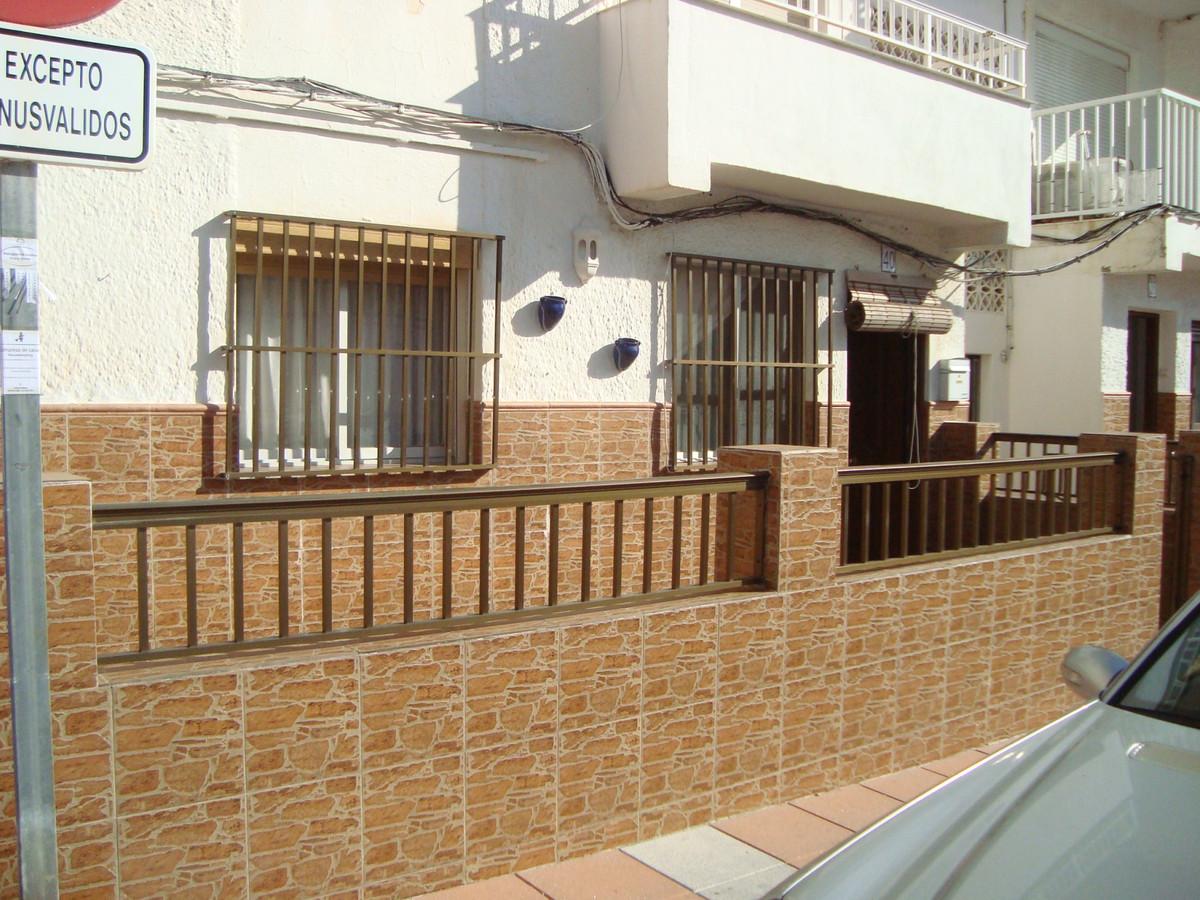 Villa, Semi Detached  for sale    en San Luis de Sabinillas