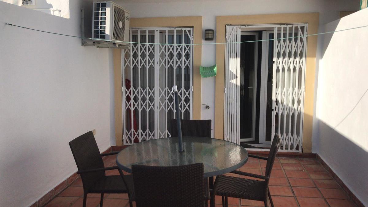 Apartment, Middle Floor  for sale    en Estepona