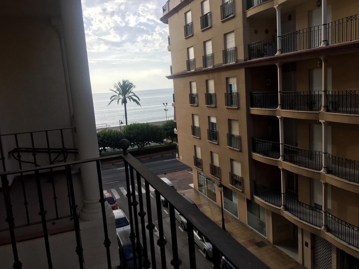 Middle Floor Apartment, Estepona, Costa del Sol. 2 Bedrooms, 1 Bathroom, Built 95 m², Terrace 10 m².,Spain