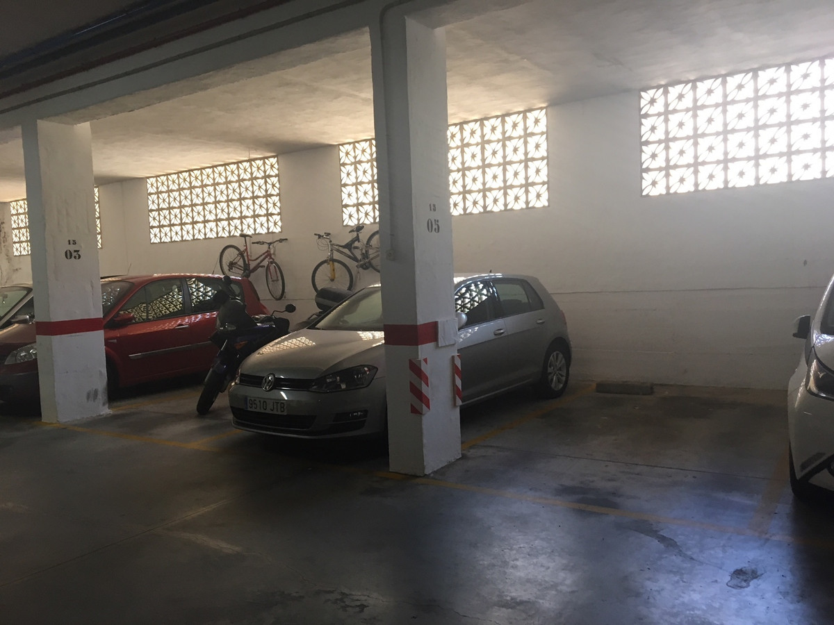 Garaje a la venta en Estepona