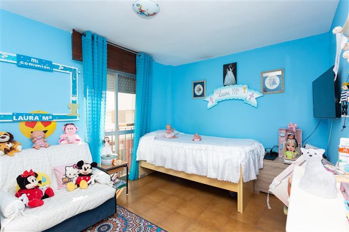 4 Bedroom Middle Floor Apartment For Sale Estepona