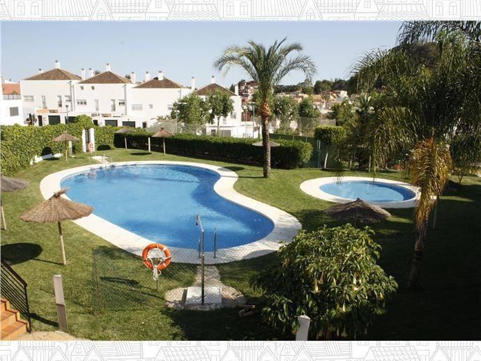 Casa con vistas al mar ubicada en una urbanizacion rodeada de los mejores colegios de Malaga( Marist,Spain