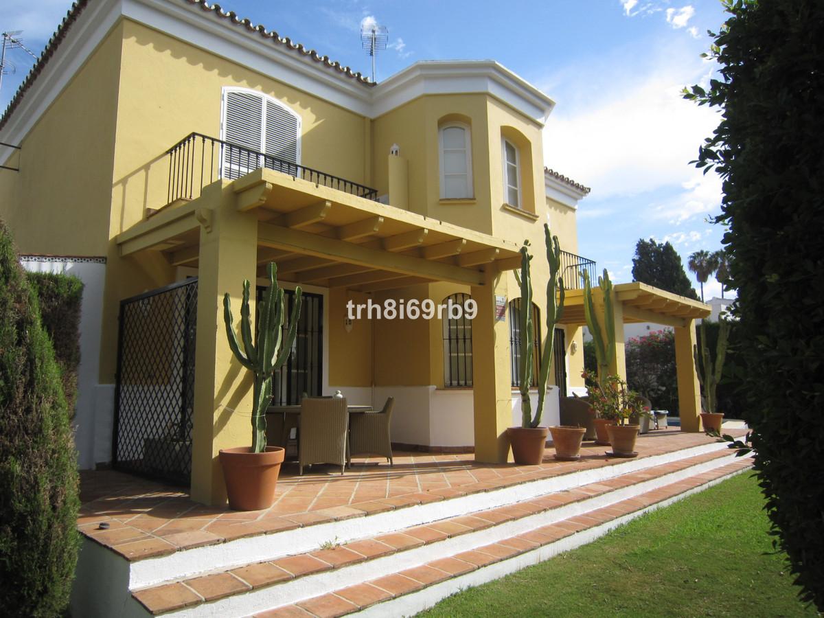 Detached Villa for sale in Guadalmina Alta R3737923