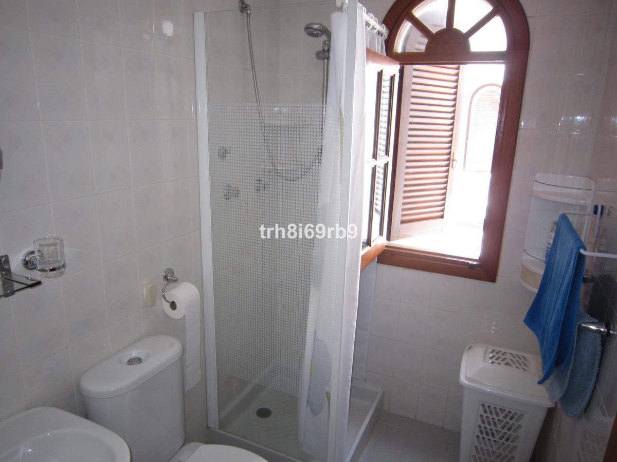2 Bedroom Apartment for sale Estepona