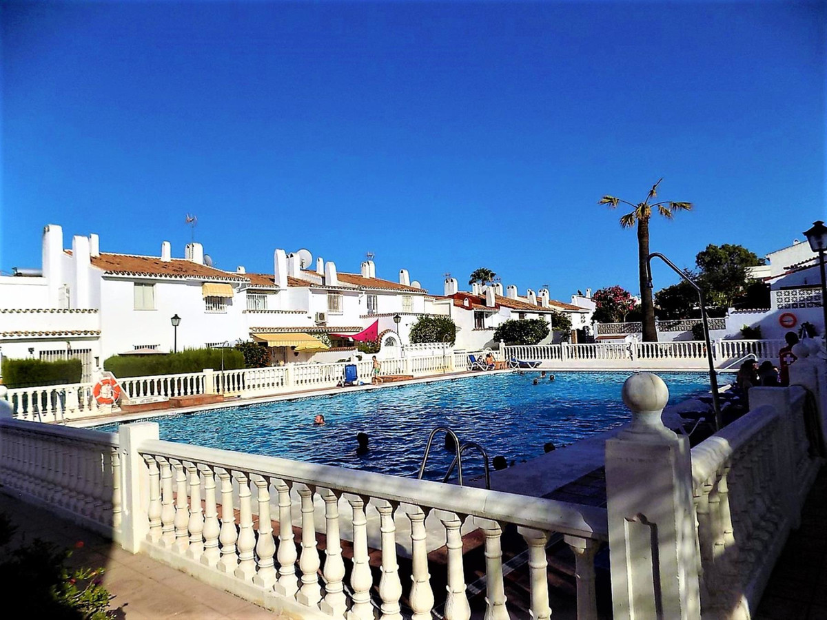 ADORABLE 3 BEDROOM TOWNHOUSE WALKING DISTANCE TO EVERYTHING  This cosy 3 BEDROOM, 2 BATHROOM TOWNHOU,Spain