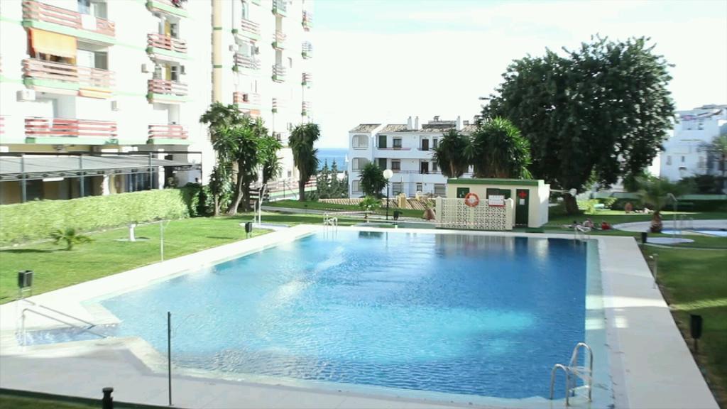 Benalmadena Coast, Edificio Los Naciones, very well priced  studio apartment, community pool and gar,Spain